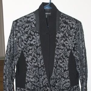 Lace Fitted Blazer
